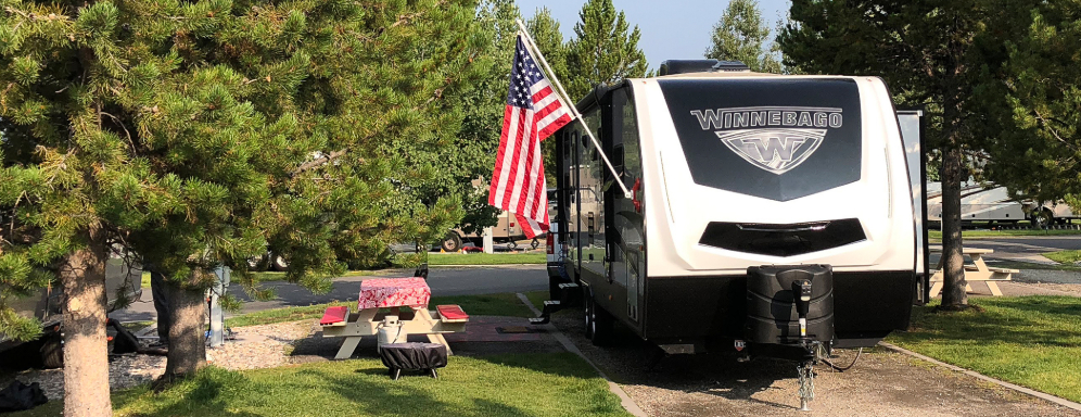 Winnebago Minnie Plus Travel Trailer
